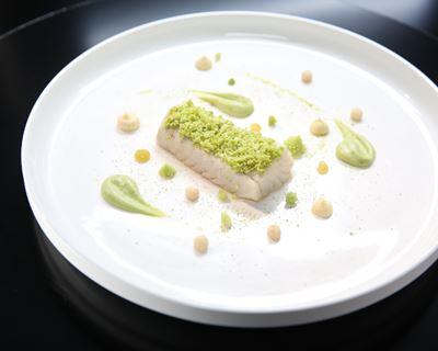 Sandre de Loire au beurre blanc de céléri, chou, céleri, et pomme d'Anjou